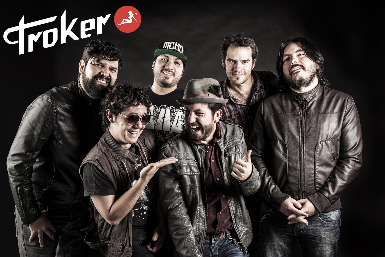Troker Foto con Logo
