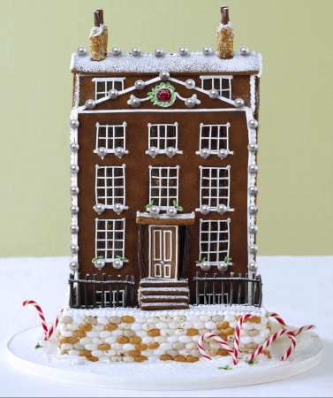 gingerbreadhouse1_377_450
