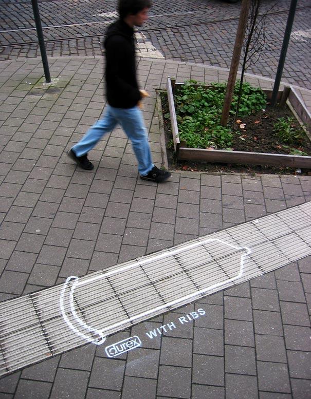 street-ads-durex-ribs