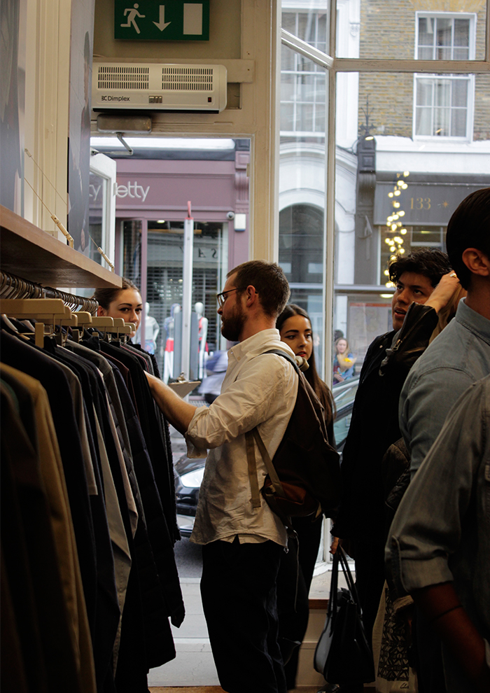 jigsaw clothing browsing