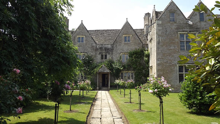 Kelmscott manor_opt