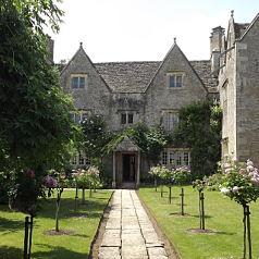 Kelmscott manor_opt_opt