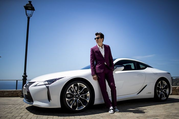 Lexus-LC-Make-Your-Mark-Mark-Ronson-Drive-11-1000x667_opt