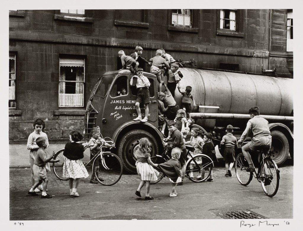 Roger Mayne - Children playing on a lorry, Glasgow