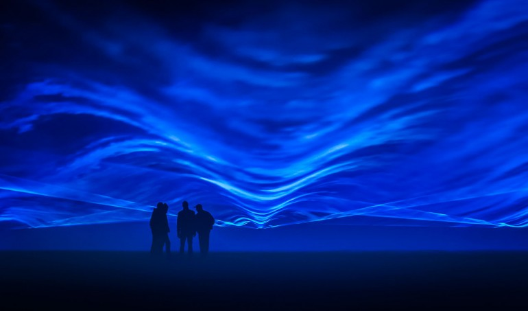 EXPOSED-frontlights-Waterlicht-by-Daan-Roosegaarde.-Courtesy-of-Artichoke-and-the-artists.--(2)