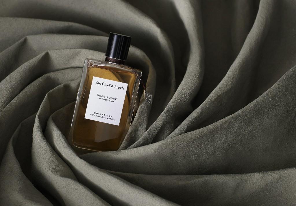 Van_Cleef_&_Arpels_Rose_Rouge_Fragrance_By_JasonYates_For_Cent