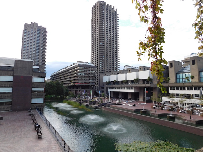 Barbican_Estate,_London_2