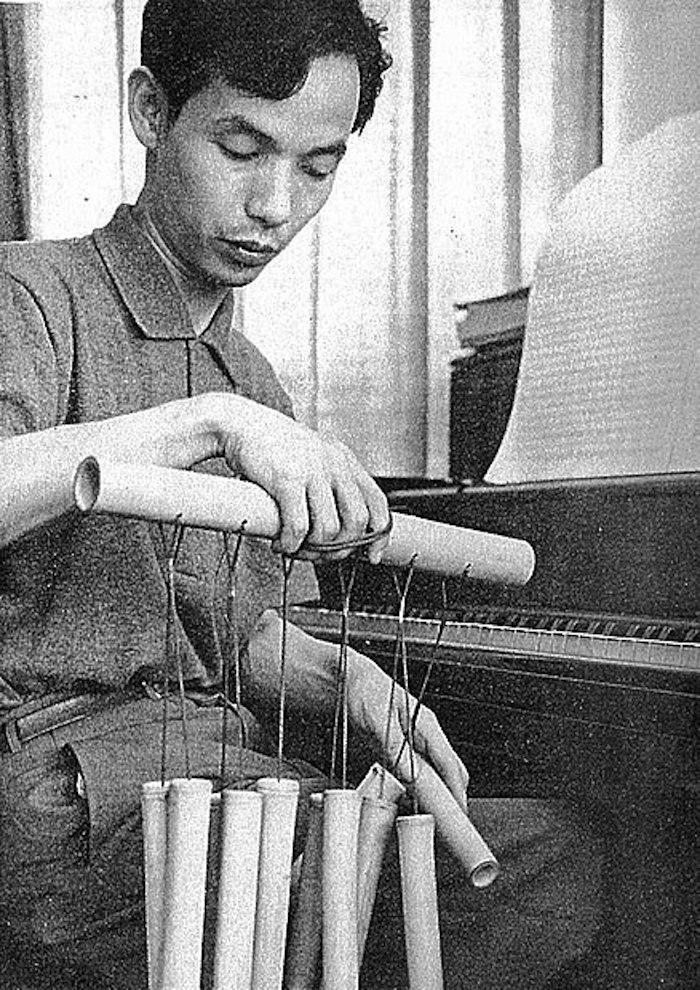 438px-Toru_Takemitsu_Shinchosha_1961-7
