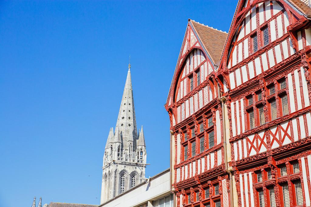294969-Maison_a_pans_de_bois-Caen_la_mer_Tourisme___Les_Conteurs_(Droits_reserves_Office_de_Tourisme___des_Congres)-1200px